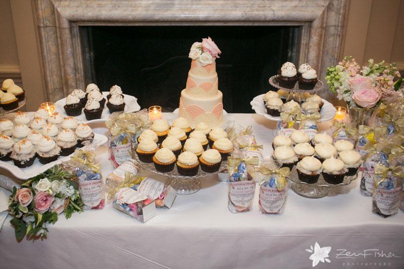 Groß Cupcakes For A Wedding Reception Zeitgenössisch - Brautkleider ...