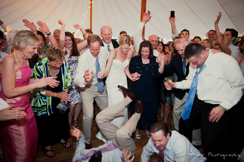 wentworth country club wedding, NH wedding, wedding reception, dancing, summer wedding, tent wedding